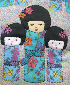 kokeshi-doll-cushion